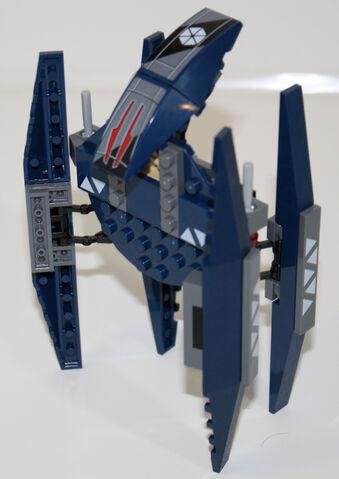 File:Vulture-droid-walking-profile.jpg