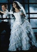 Rebecca-caine-the-phantom-of-the-opera-28902386-357-505