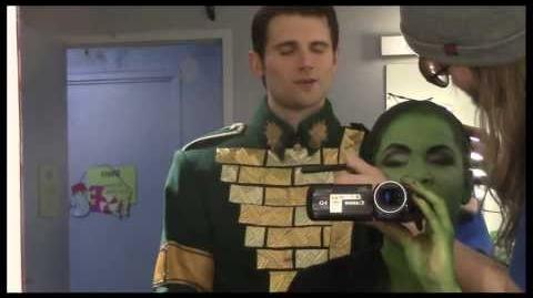 "Fly Girl Backstage at ""Wicked"" with Lindsay Mendez, Episode 11 Surprise Holiday Special!"