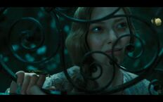 Les-miserables-screenshot-cosette