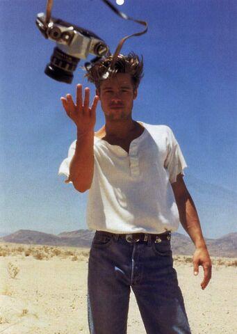 File:Brad Pitt Levis commercial-05.jpg