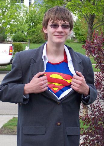 File:Supermanlevi02.jpg
