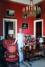 398px-Nancy Reagan Red Room 1981