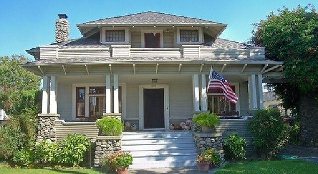 File:Craftsman House 3.jpg