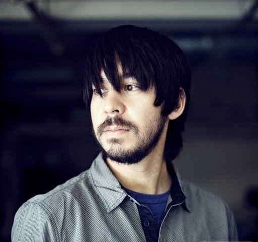 File:Mike-in-2010-mike-shinoda-19655753-640-640.jpg