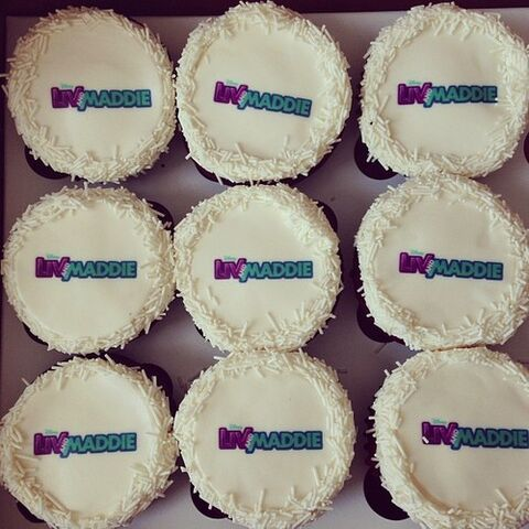 File:Liv and maddie cupcakes.jpg