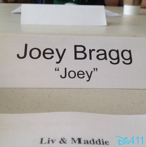 File:Joey Bragg name tag.jpg