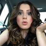 Laura-marano-twitter-instagram-personal-pics- 1
