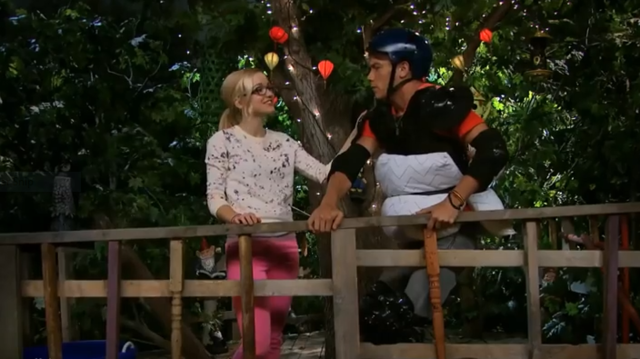 File:Maddie and Josh in Treehouse.png