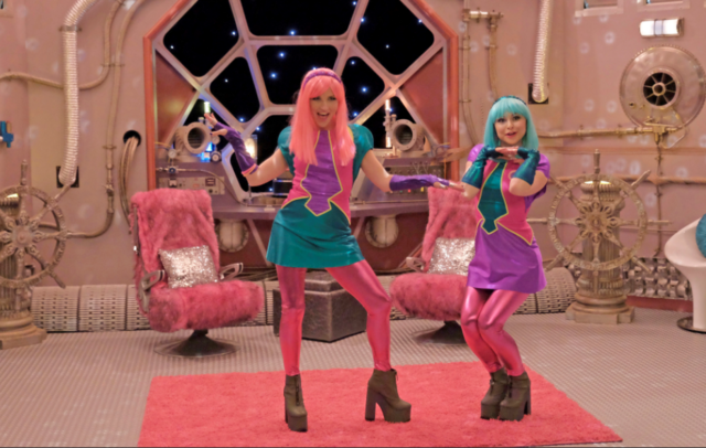 File:Linda and Heather (characters).png