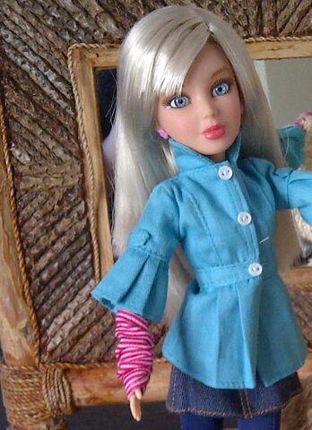 File:Sophie ash blonde wig.jpg
