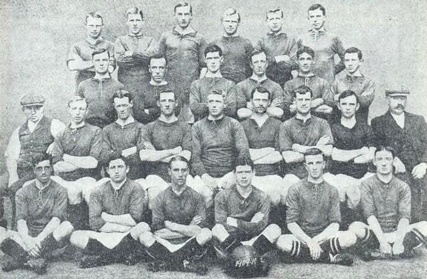 File:LiverpoolSquad1909-1910.jpg