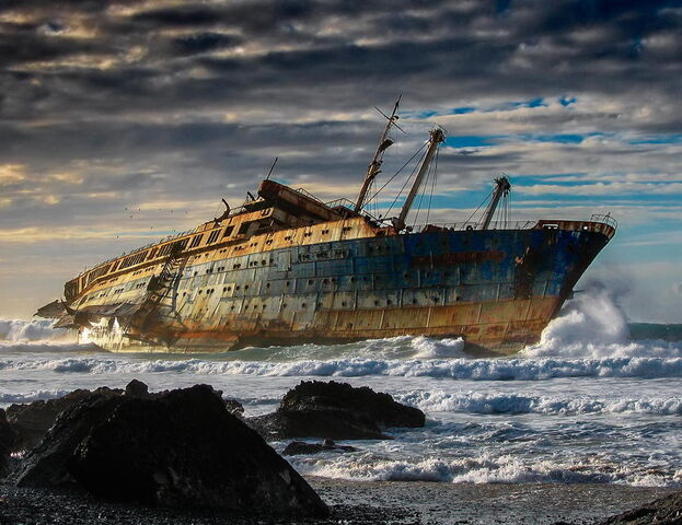 File:Wreck of the cruise ship SS America.jpeg