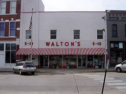 250px-Walton's Five and Dime store, Bentonville, Arkansas