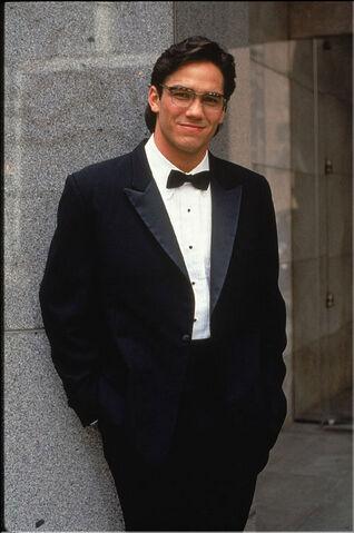 File:Clark Kent 4.jpg