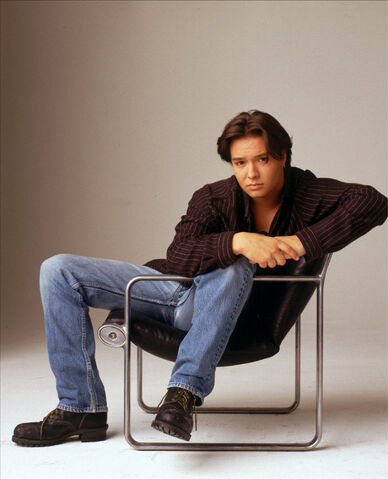 File:Jimmy Olsen (Justin Whalin) 2.jpg