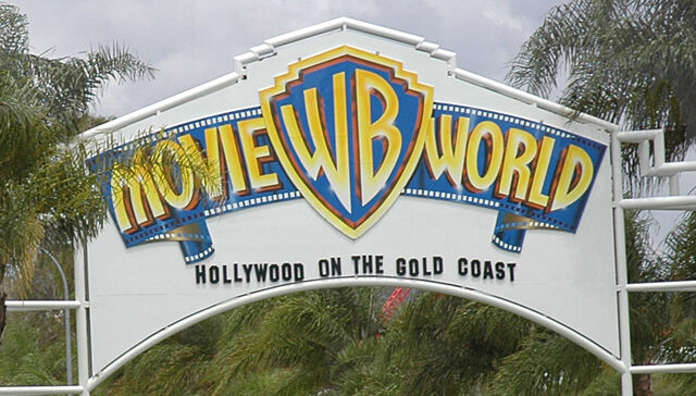 File:Movie World Entrance.jpg