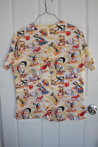 File:Looney Tunes Scrub Top Uniform Shirt Small Beach Daffy Bugs Tweety Peppy Foghorn.jpg