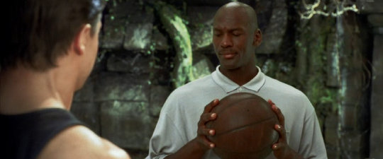 File:Michael-Jordan-cameo-Looney-Tunes-Back-in-Action.jpg