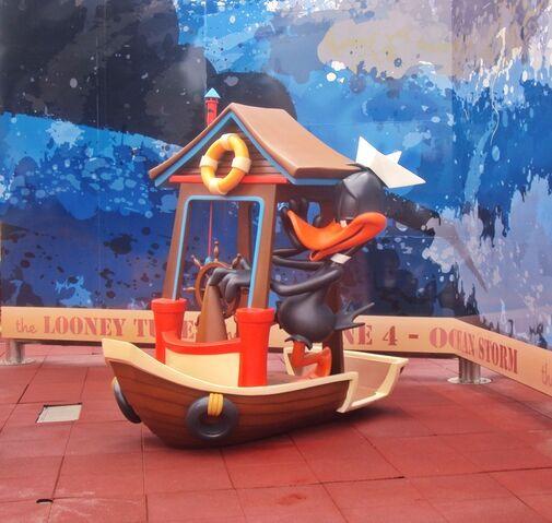 File:Daffy in boat.JPG