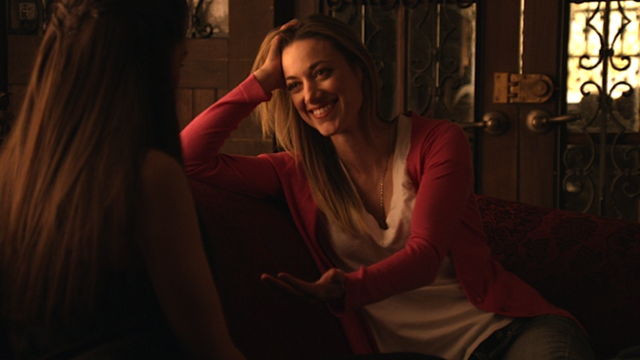 File:Lauren & Bo (Ready for this-hit me) (106).png