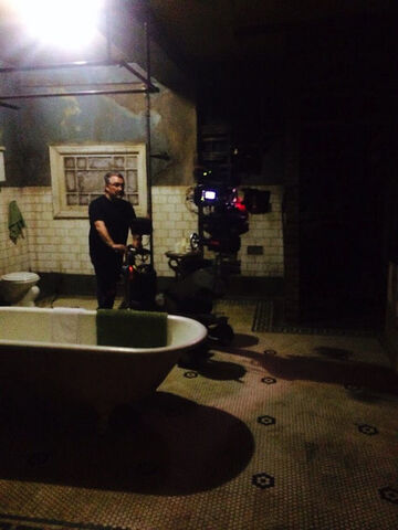 File:Lost Girl set - Clubhouse bath.jpg