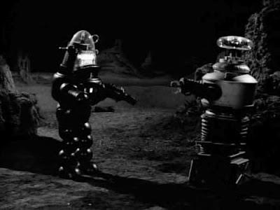 File:Robot B-9 confronts the Robotoid.jpg