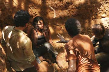 Archivo:4-Ana-Lucia-in-the-Pit.jpg
