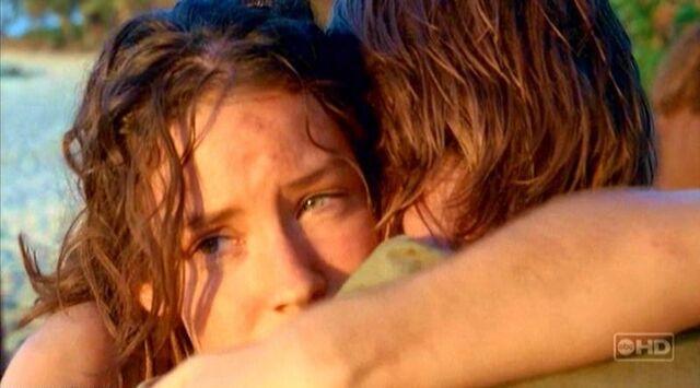 File:Kate hug Sawyer.jpg