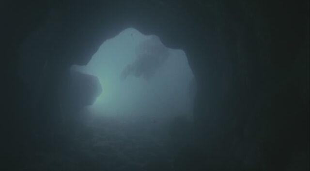 File:5x15-Jack in Tunnel.jpg