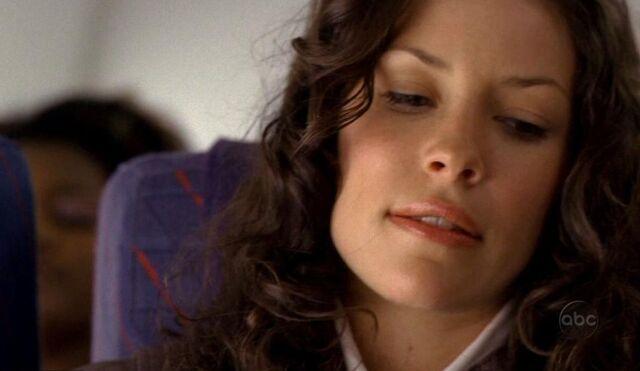 Ficheiro:1x02 Kate Plane.jpg