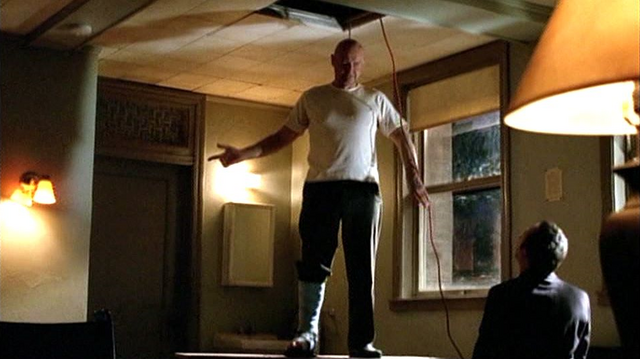 File:5x07 Electric hanging.png