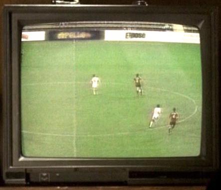 Archivo:3x08 soccer-expose.jpg