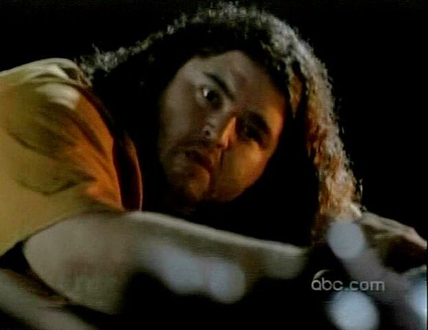 Ficheiro:Lost moments hurley.JPG