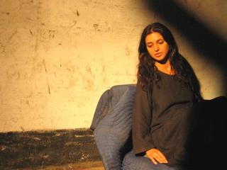 Ficheiro:Nadia imprisoned.jpg