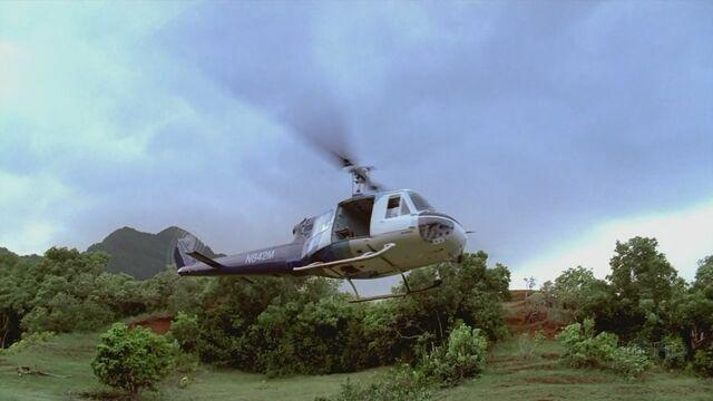 Ficheiro:4x03 Copter flying.jpg