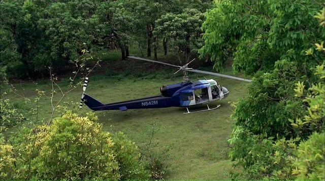 File:4x02 chopper N842M.jpg