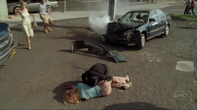 Ficheiro:Claire accident.jpg