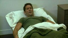 4x05 Des in bed