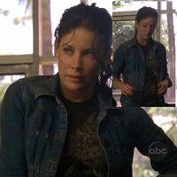 2x09 Kate Tshirt.jpg