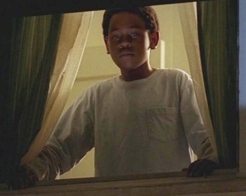 Ficheiro:4x08 Walt in window 2.jpg
