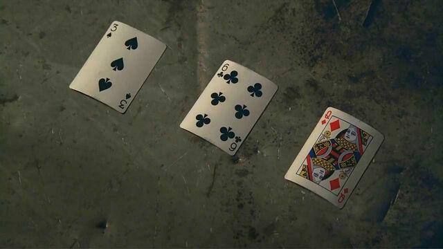 Archivo:4x04 cards.jpg