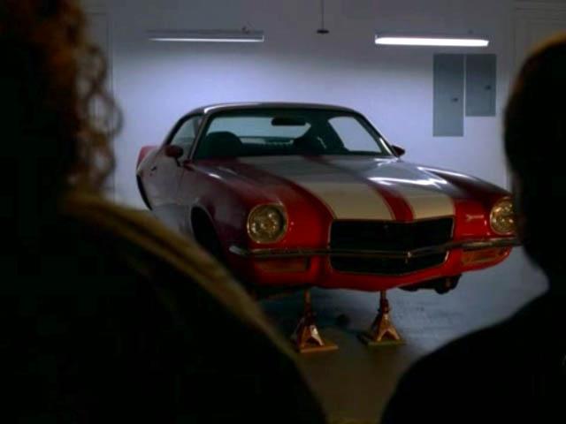 Archivo:3x10-auto-hurley-camaro2.jpg