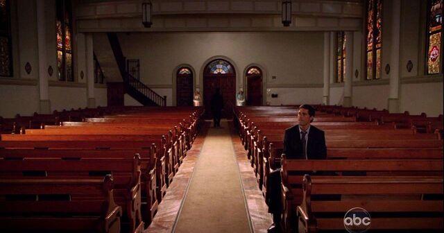 ملف:Church main hall.JPG