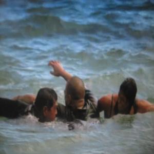 Archivo:MT&ALswiming.jpg