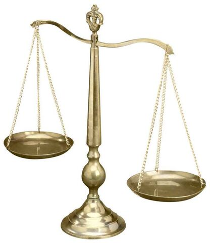 Ficheiro:Scales of justice.jpg