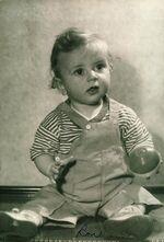 Ron 1945 baby-photo1