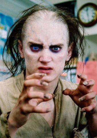 File:Frodo-as-Gollum-Makeup-Test-01.jpg