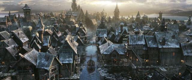 File:Ss hobbit-laketown-01.jpg