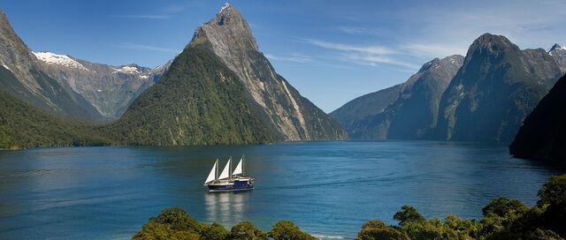 File:Fiordland.jpg
